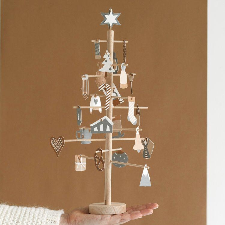 Advent tree Jurianne Matter