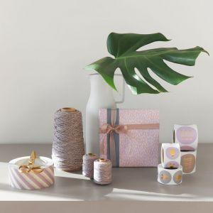Cadeaupapier lila met beige dot (HOP) 3
