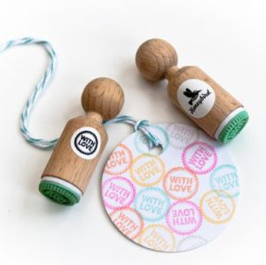 "Mini stempel ""With Love"" Miss Honeybird 1"