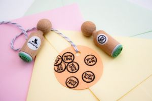 "Mini stempel ""With Love"" Miss Honeybird 2"
