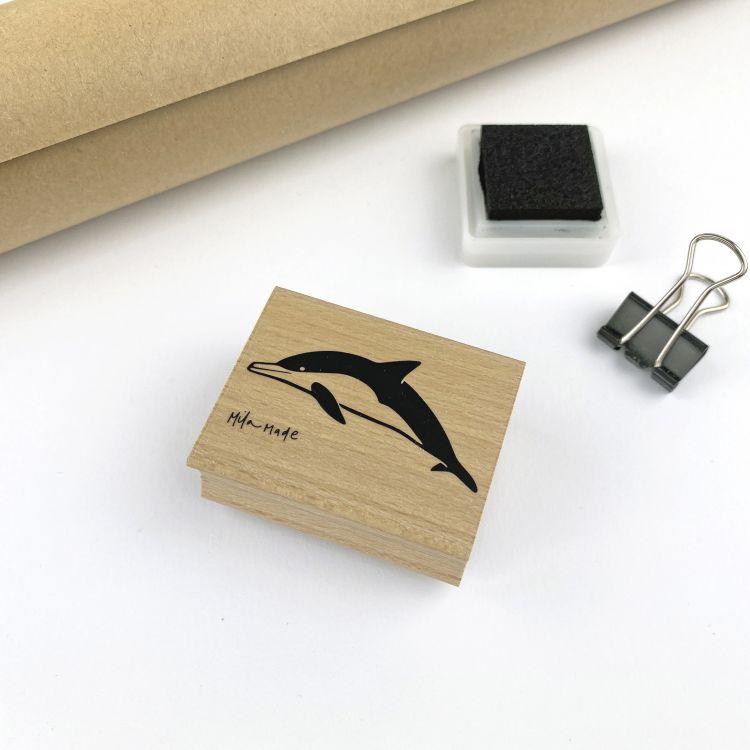 Stempel dolfijn, Mila-made