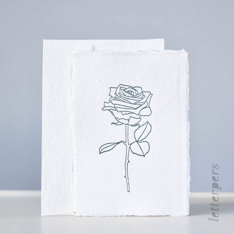 Kaart handgeschept papier met roos, Letterpers