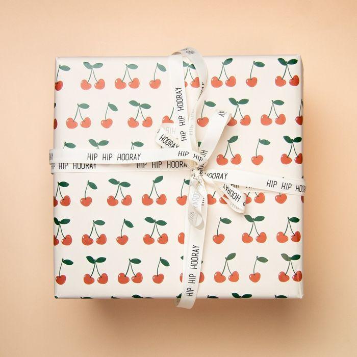 Cadeaupapier kersjes (HOP)