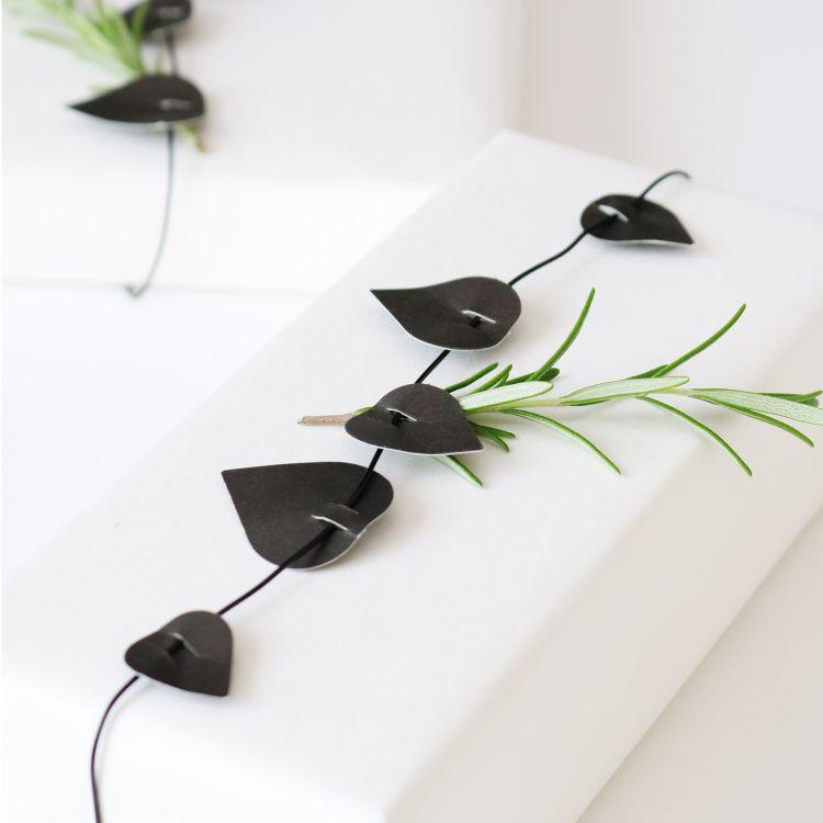 Twig leaves - zwart Jurianne Matter